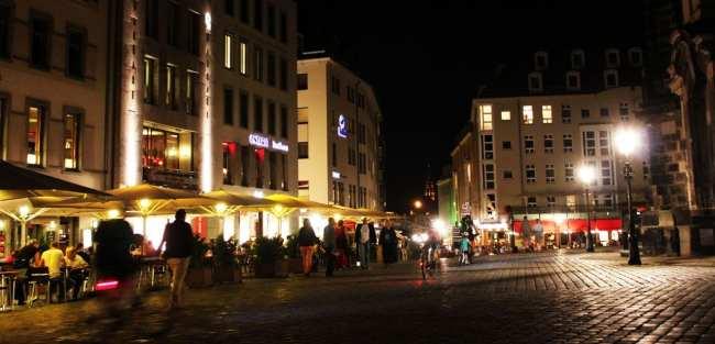 Dicas de viagem a Dresden - Cidade Velha Alstadt Praça da Frauenkirche de noite 2