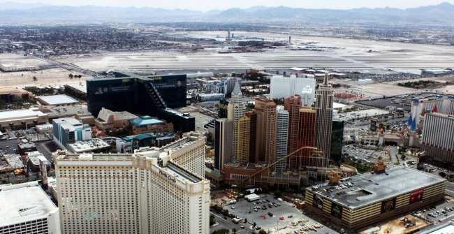 Passeio de helicóptero pelo Grand Canyon perto de Las Vegas - sobrevoo sobre a strip 2