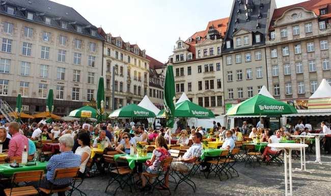 Roteiro de Leipzig - Festa na frente da Antiga Prefeitura