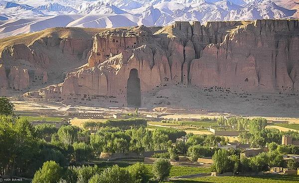 Vale de Bamiyan, onde ficavam os Budas destruídos pelo Talibã   Foto: Hadi Zaher (CC BY-NC-ND 2.0)