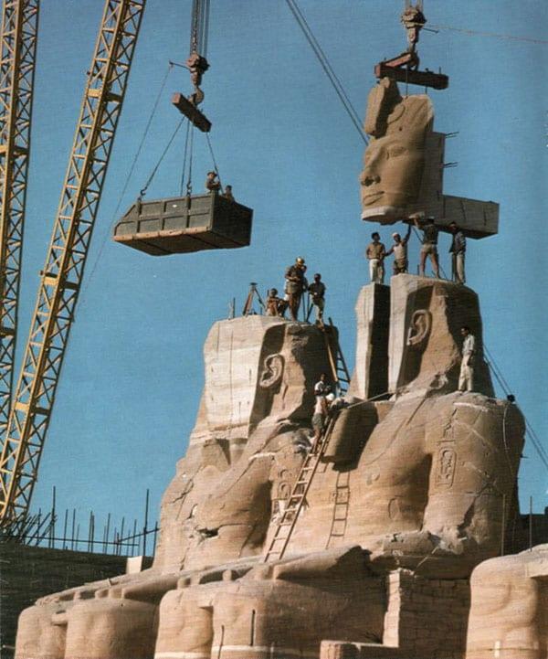 Os templos de Abu Simbel sendo transferidos, em 1967   Foto: Per-Olow Anderson (domínio público)