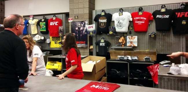 Como é assistir ao UFC em Las Vegas - Anderson Silva vs Nick Diaz 7