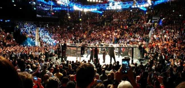 Como é assistir ao UFC em Las Vegas - Anderson Silva vs Nick Diaz 11