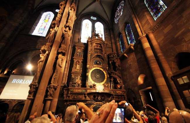 Dicas e roteiros de Strasbourg / Estrasburgo - Catedral de Notre Dame Relógio Astronômico