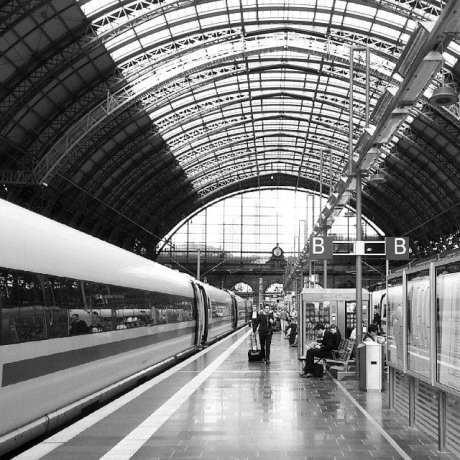 Dicas para viajar de trem na Alemanha - Estação de trem em Frankfurt
