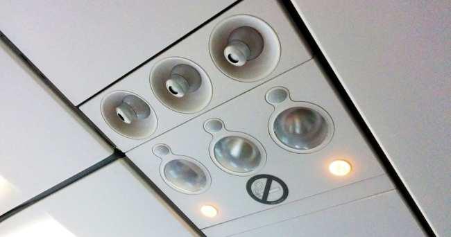 Como é voar de Sky Airline - interior da aeronave 2