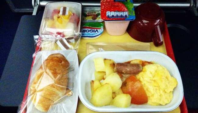 Como é voar de South African Airways - café da manhã