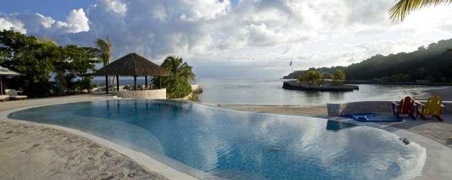 Sundaytalk - Hotel Island Outpost 5