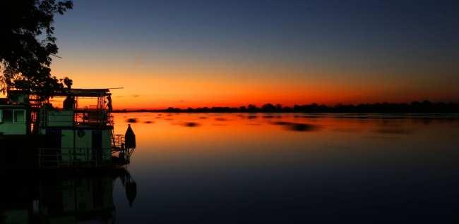 ABC do Pantanal - Pôr do sol em Corumbá no Rio Paraguai