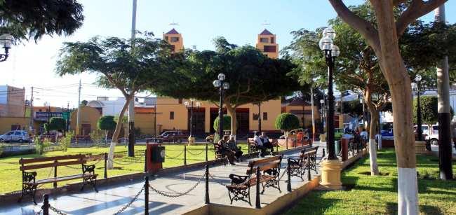 Sobrevoo pelas linhas de Nazca - Plaza de armas