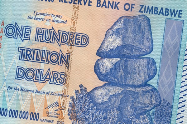 Dólar zimbabuano, por Shutterstock
