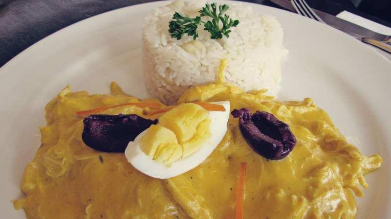 comidas-tipicas-peru-aji-de-gallina