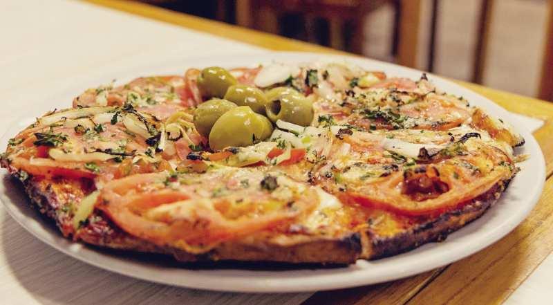 O que fazer em Buenos Aires gastando pouco - pizza argentina barata
