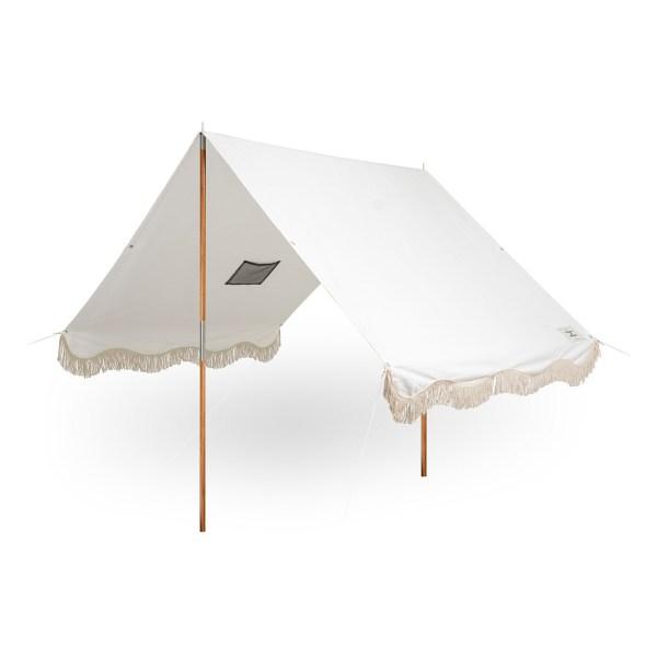 Business & Pleasure Co. - tente de plage frangé blanc - Blog famille Sunday Grenadine