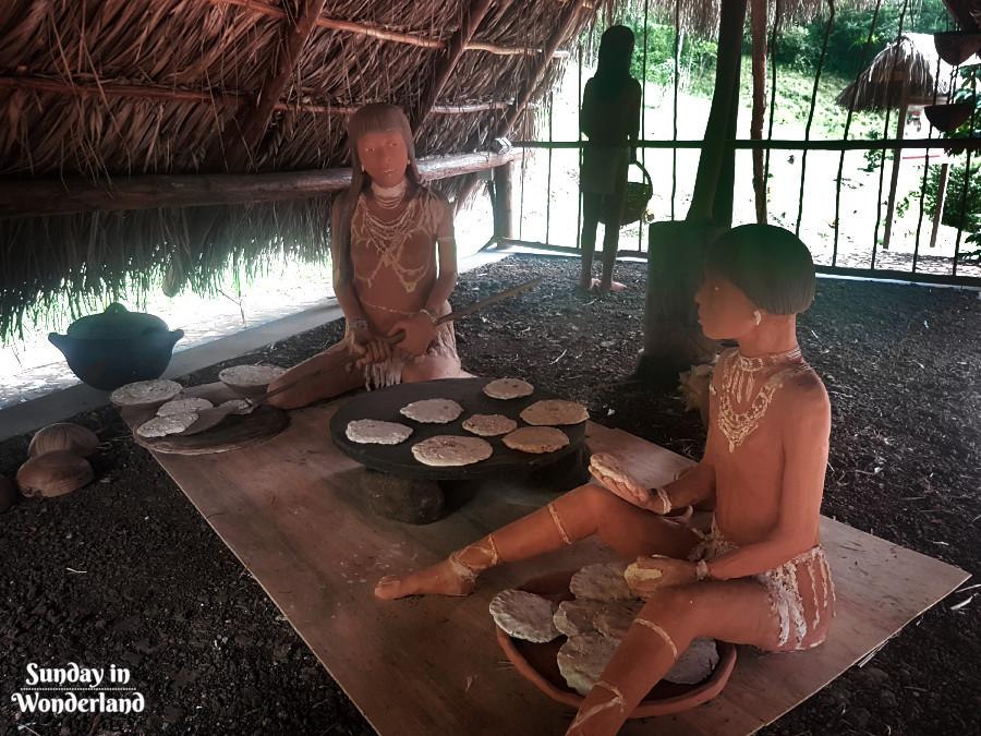 Karaibskie kobiety przygotowujące posiłek - La Savane des Esclaves na Martynice - Sunday In Wonderland Blog