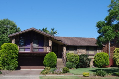 Reminded me of the 'Brady Bunch' house.