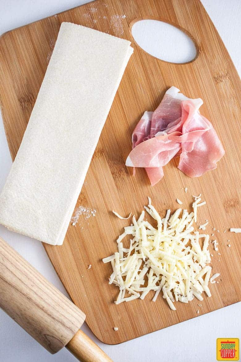 Prosciutto Pinwheels with Gruyere and Puff Pastry ingredients