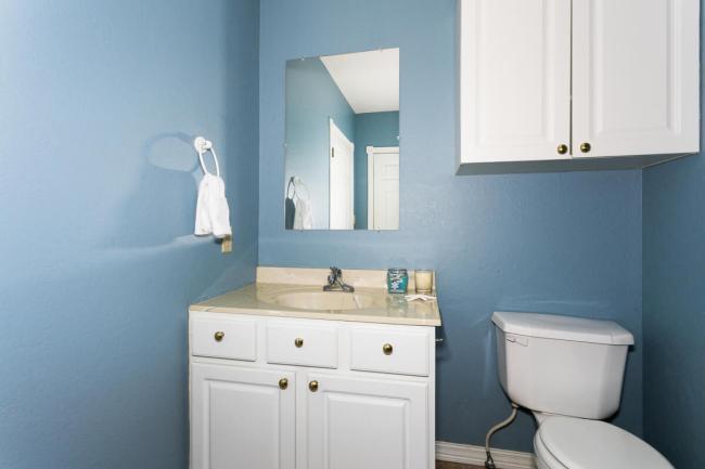 3650 N Main St El Dorado KS-large-067-080-Bathroom-1500x1000-72dpi