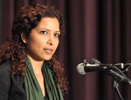 Esha Momeni recounts her experience in Iran at the Northridge Center Monday evening. Photo credit: Jonathan Pobre / Executive Editor