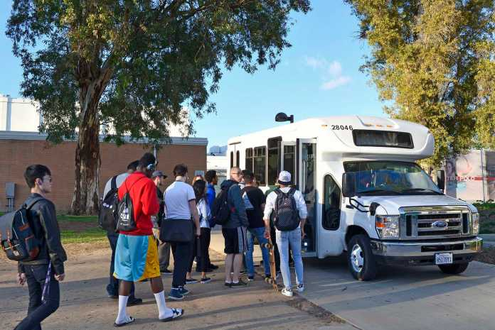 Students board the CSUN bus which goes to the dorms