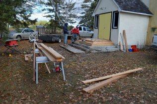 Rebuilding cedar steps (l-r) Randy Hirschfield, Wally Eliuk (20-Oct-2013)