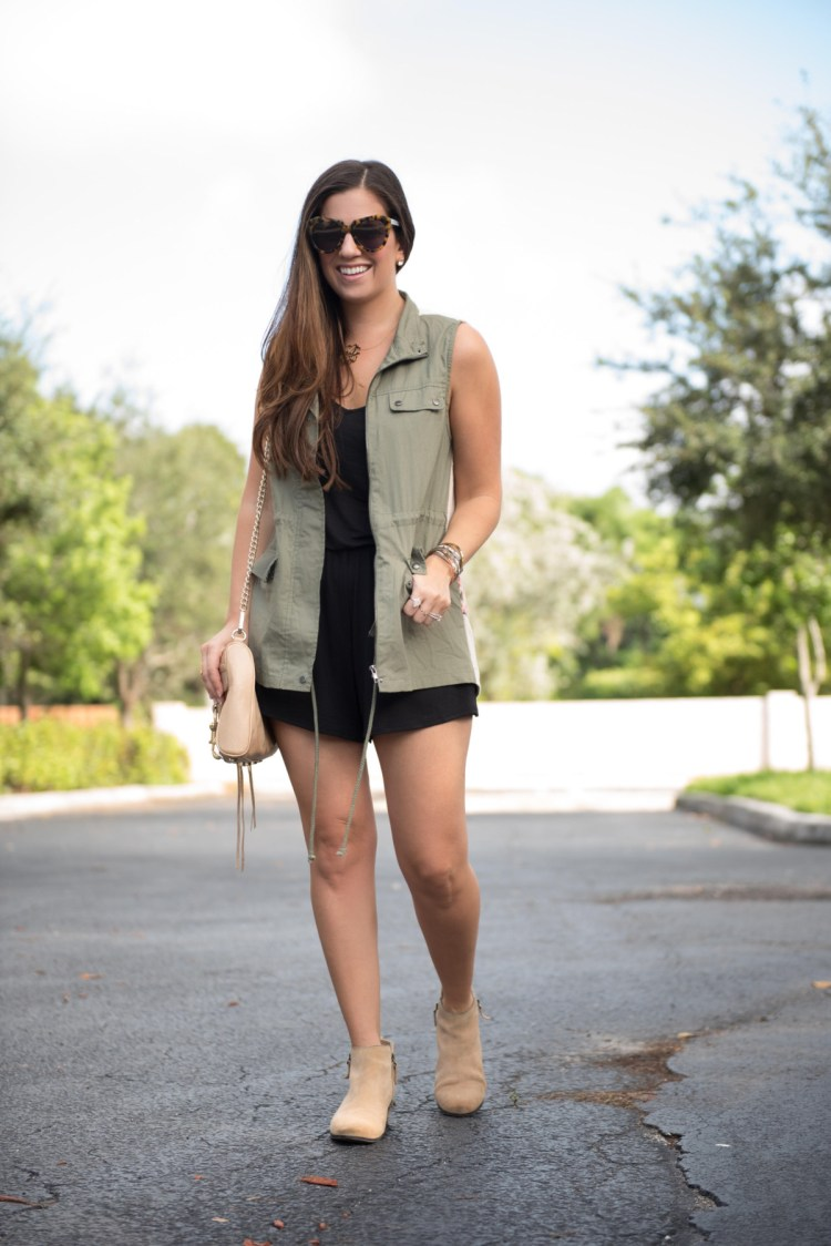how to style a utility vest for Fall, olive utility vest, cargo vest