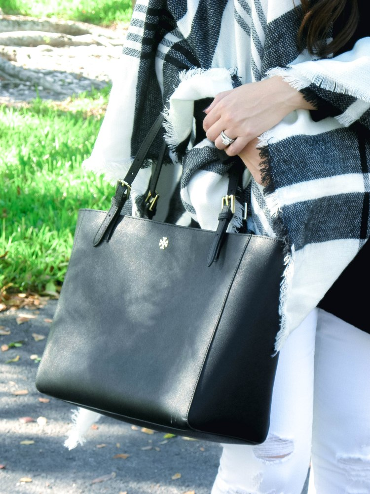 tory burch black tote