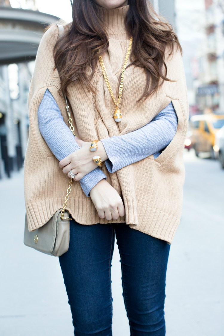 the perfect sweater poncho, NYC style, fashion blogger