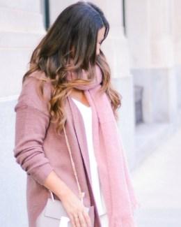 Mauve Cardigan, Mauve scarf