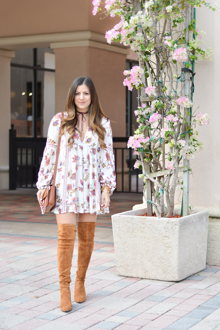 Fashion Blogger, Jaime Cittadino wearing Free People floral tunic in Boca Raton, Florida