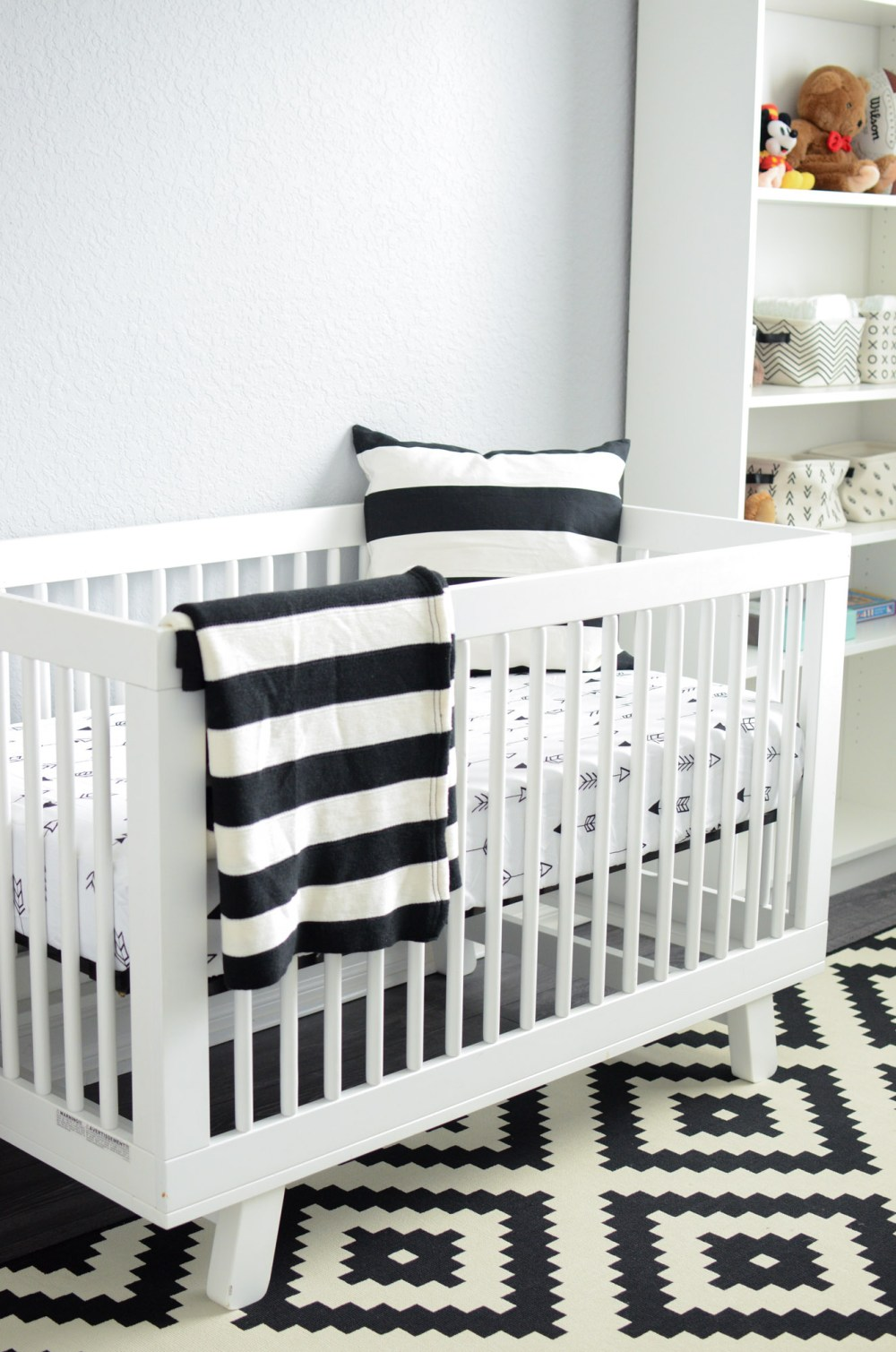 Babyletto Hudson Crib, Black and White nursery