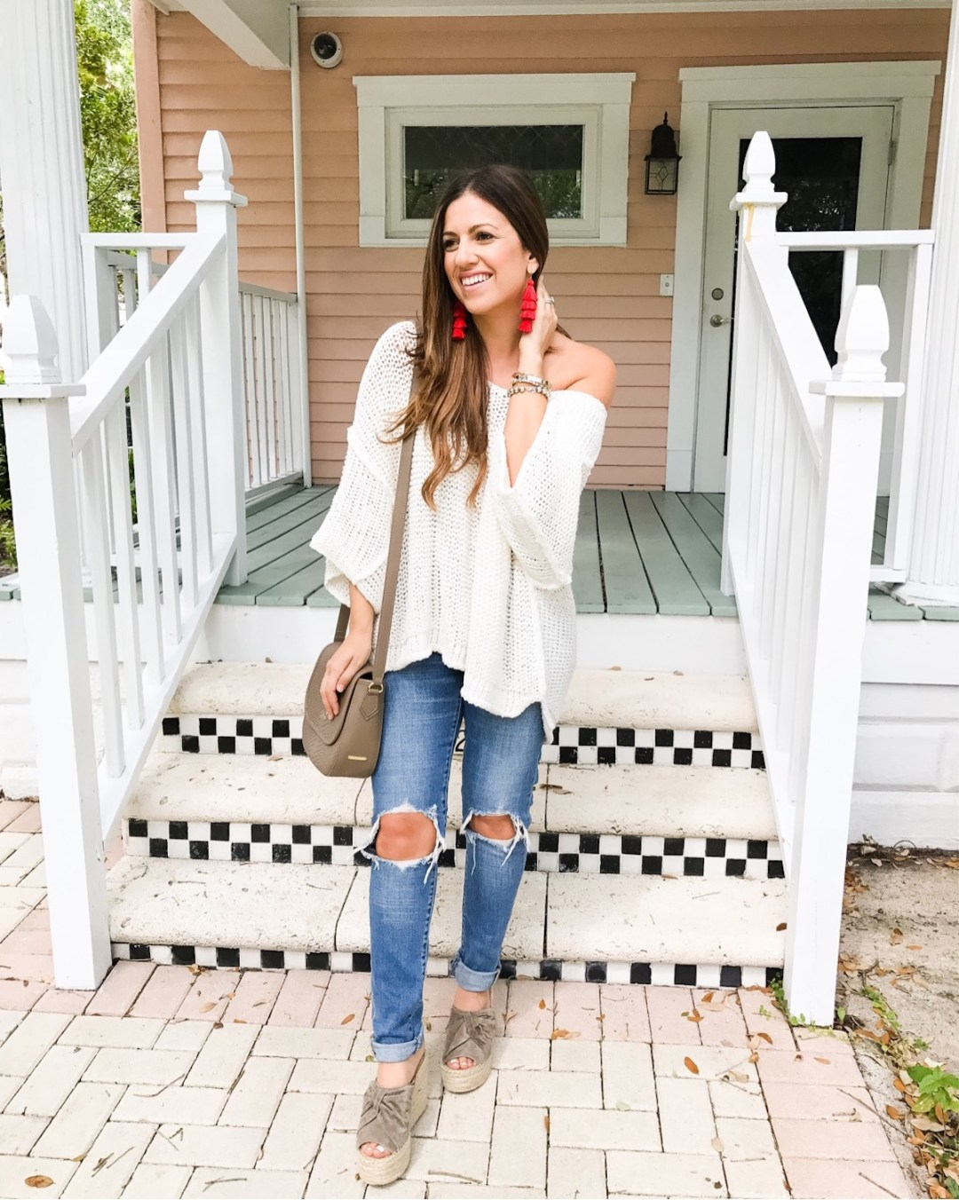 best ripped jeans, levi's distressed jeans, baublebar tassel earrings, Sunflowers and Stilettos blog