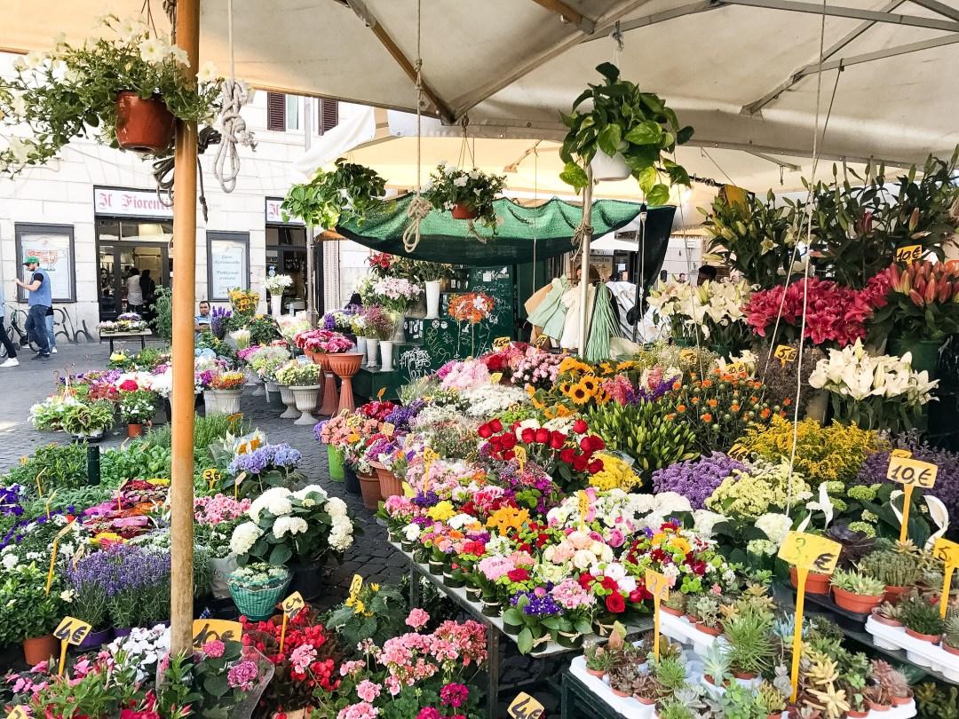 ROME ITALY NAVONO SQUARE flowers market