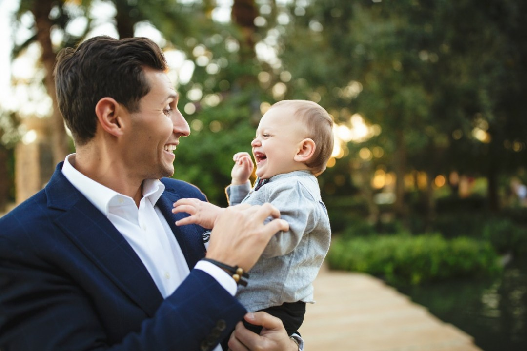 what to wear to a family photoshoot, father son photo