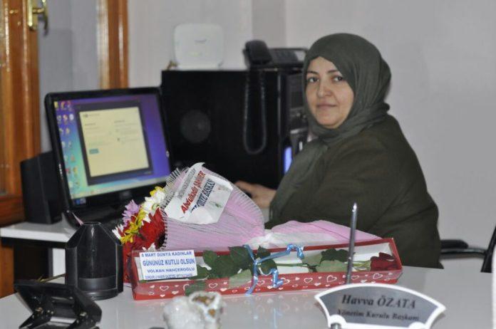Özata, 8 Mart Dünya Kadınlar Gününü kutlayan Sungurlu Belediye Başkanı Abdulkadir Şahiner'e teşekkür etti. 8mart, abdulkadir şahiner, havva özata, kadınlar günü, sevgisun, sungurlu belediyesi