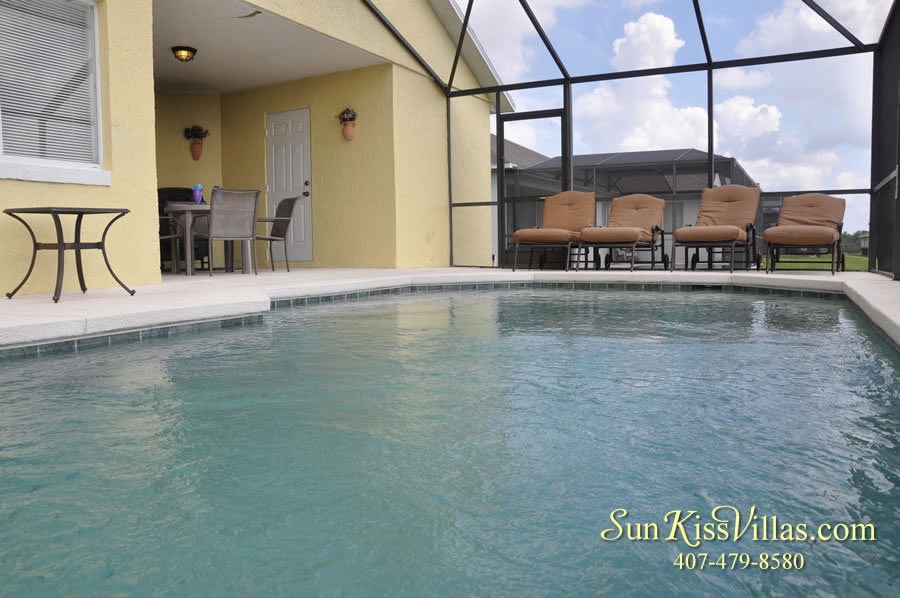 Orlando Vacation Rental - Disney Fun - Pool and Covered Lanai