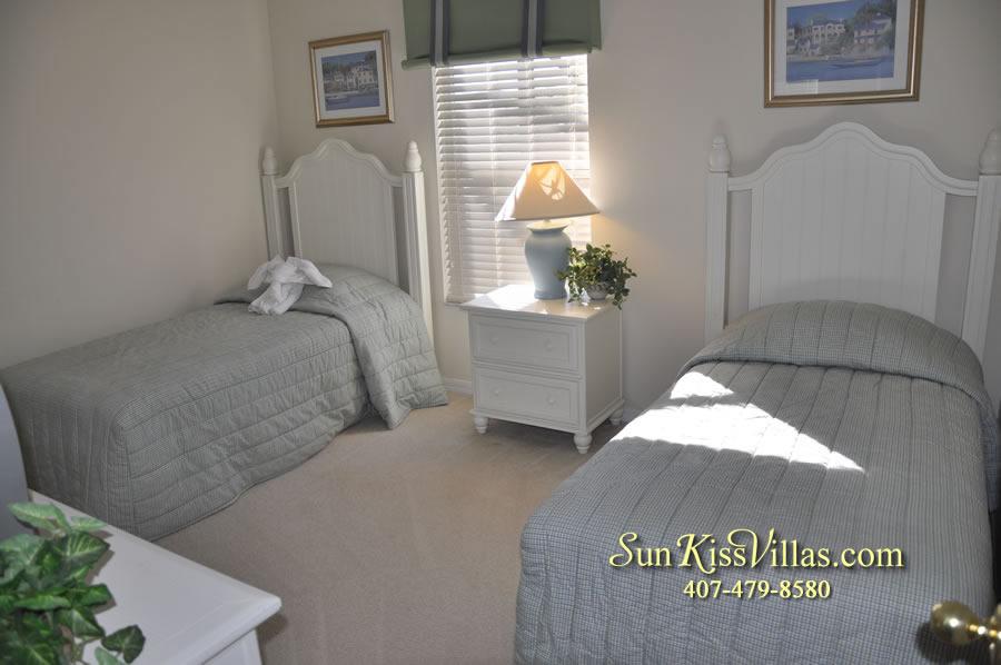 Disney Vacation Villa - Henley Park - Twin Bedroom
