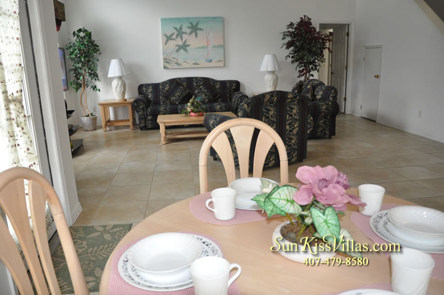 Disney Vacation Rental Home - Orange View Breakfast and Family Room