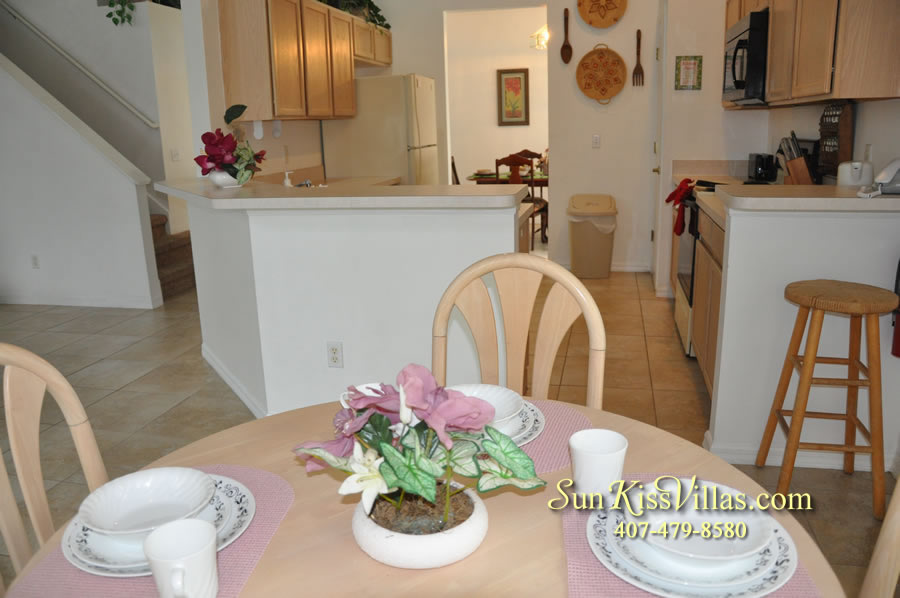 Disney Vacation Rental Home - Orange View Kitchen and Breakfast Area
