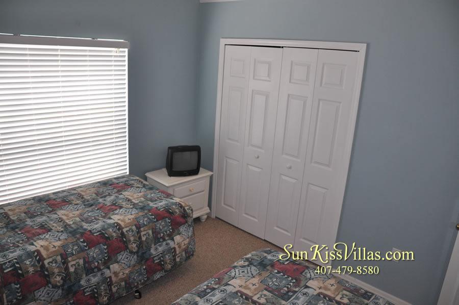 Orlando Vacation Rental - Palm Lake - Twin Bedroom