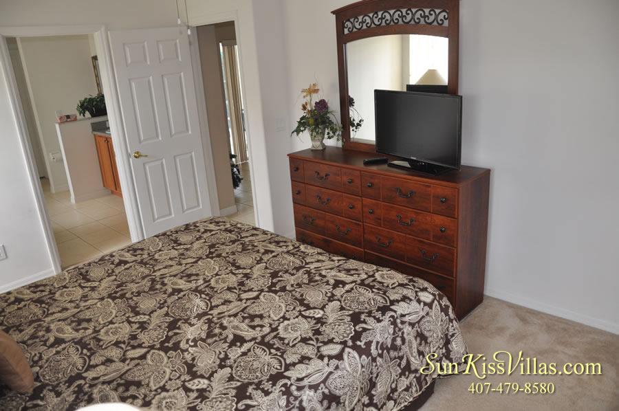 Vacation Villa Rental Near Disney - Emerald Cove - Master Bedroom