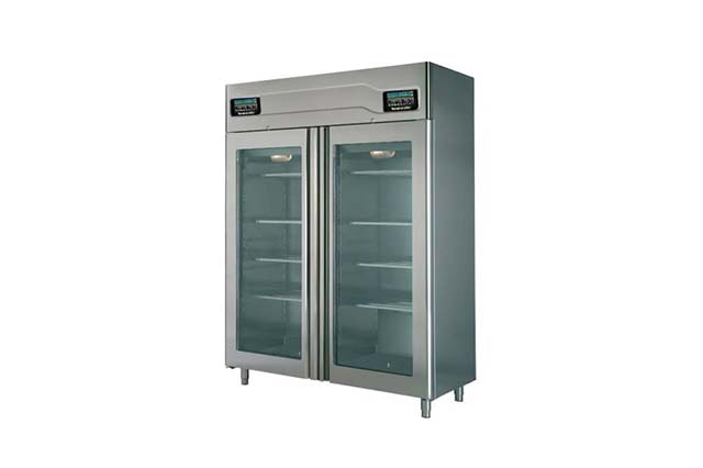 Cement curing cabinet