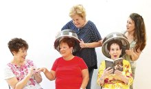 From left to right: sitting, Janine Schneck (Carlene), Ginger Henry (Mavis), Phyllis Novy (Nita); standing, Merrie Crawford (Bunny) and Diana Nelinson (Sugar Lee)