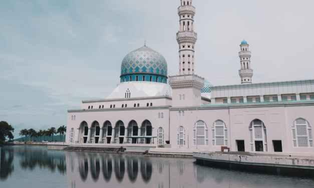 Should a Muslim Follow a Madhab?