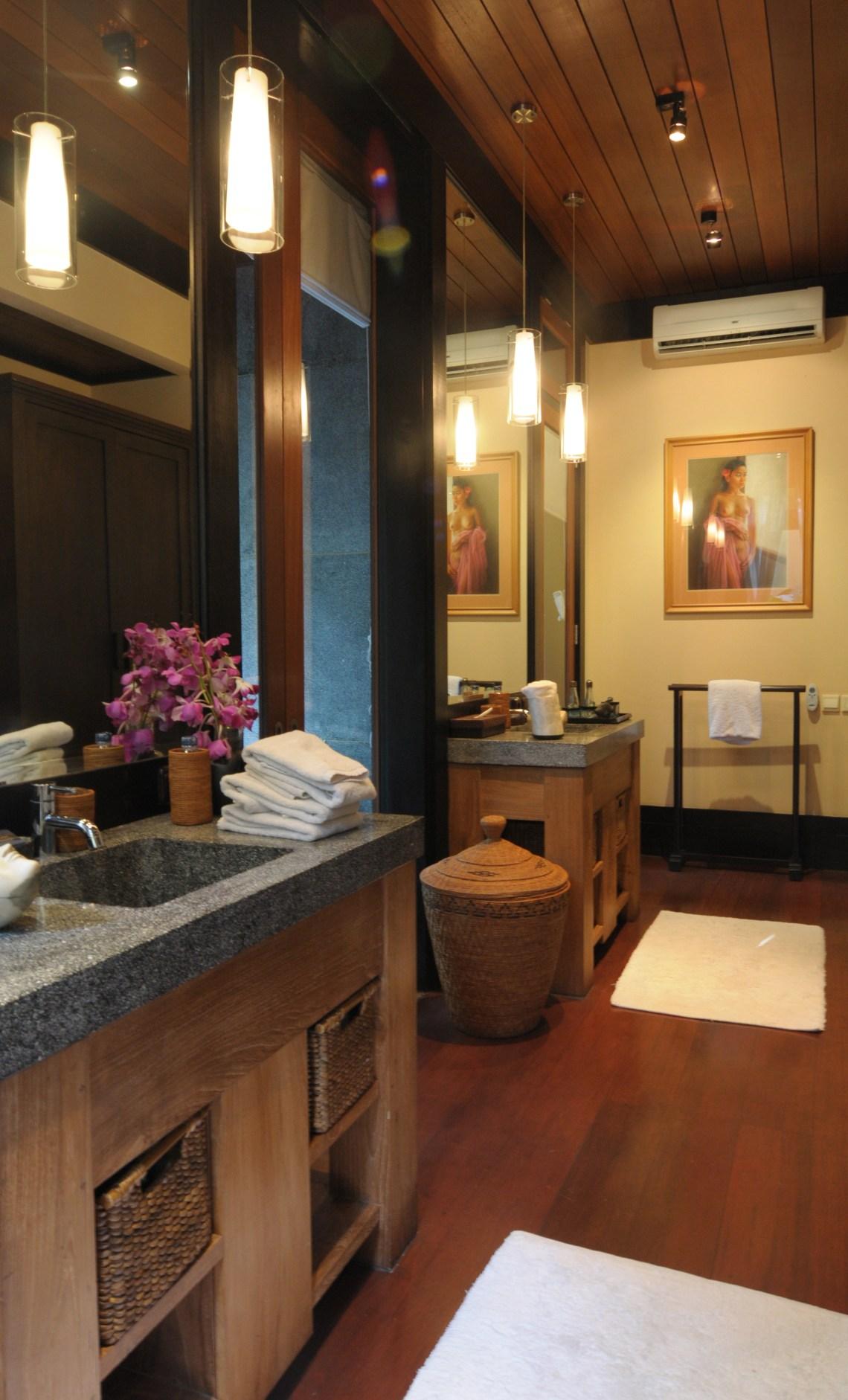 Villa Kacang Masterbath1