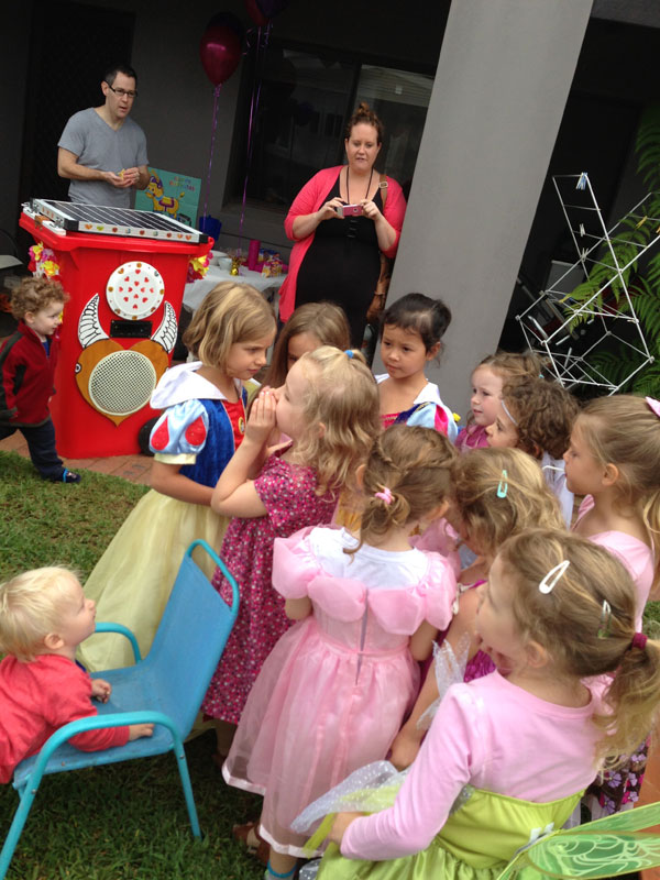 Sunny Bin kids party