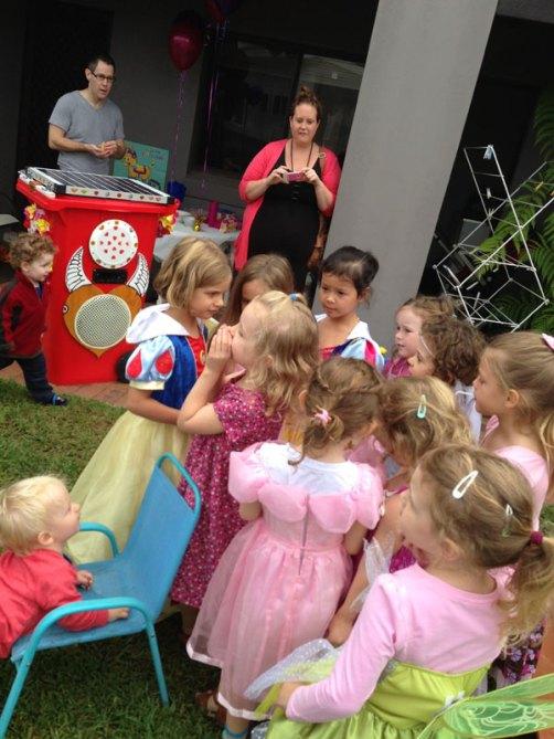 Sunny Bin kids party