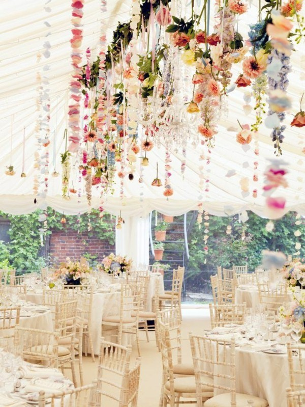 Εκπληκτικές ιδέες διακόσμησης με λουλούδια για το γάμο σας5