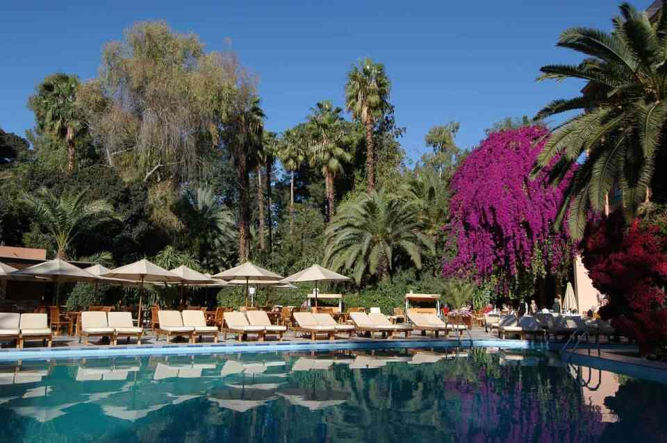 The Es Saadi Gardens with its 8-hectare park is located in the middle of Marrakech. The grounds include the hotel, a palace, several villas, restaurants, pools and spa areas, and a casino.
