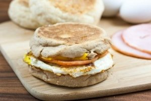 egg muffin breakfast sandwich while camping